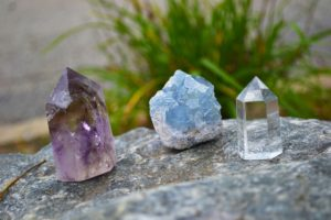 Colombian Professor: Quartz and other crystals that could help you heal your pain